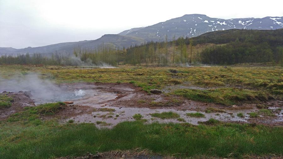 Исландия день первый. Пейзаж около гейзеров