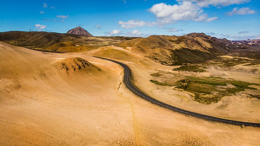 Исландия день пятый. Вид около геотермальной зоны с дрона 0102