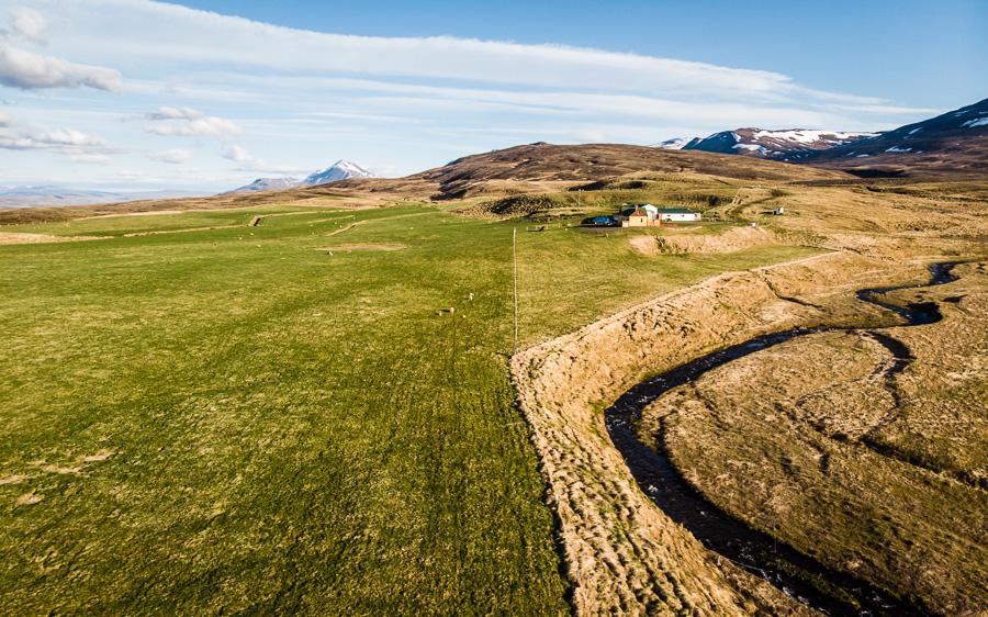 Исландия день шестой. Вид на ферму с дрона