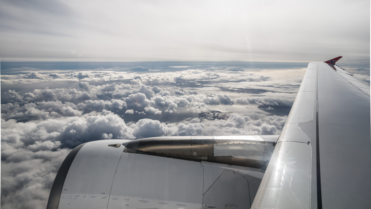 Фареры, подготовка 2264|Вид из иллюминатора на фарерские облака