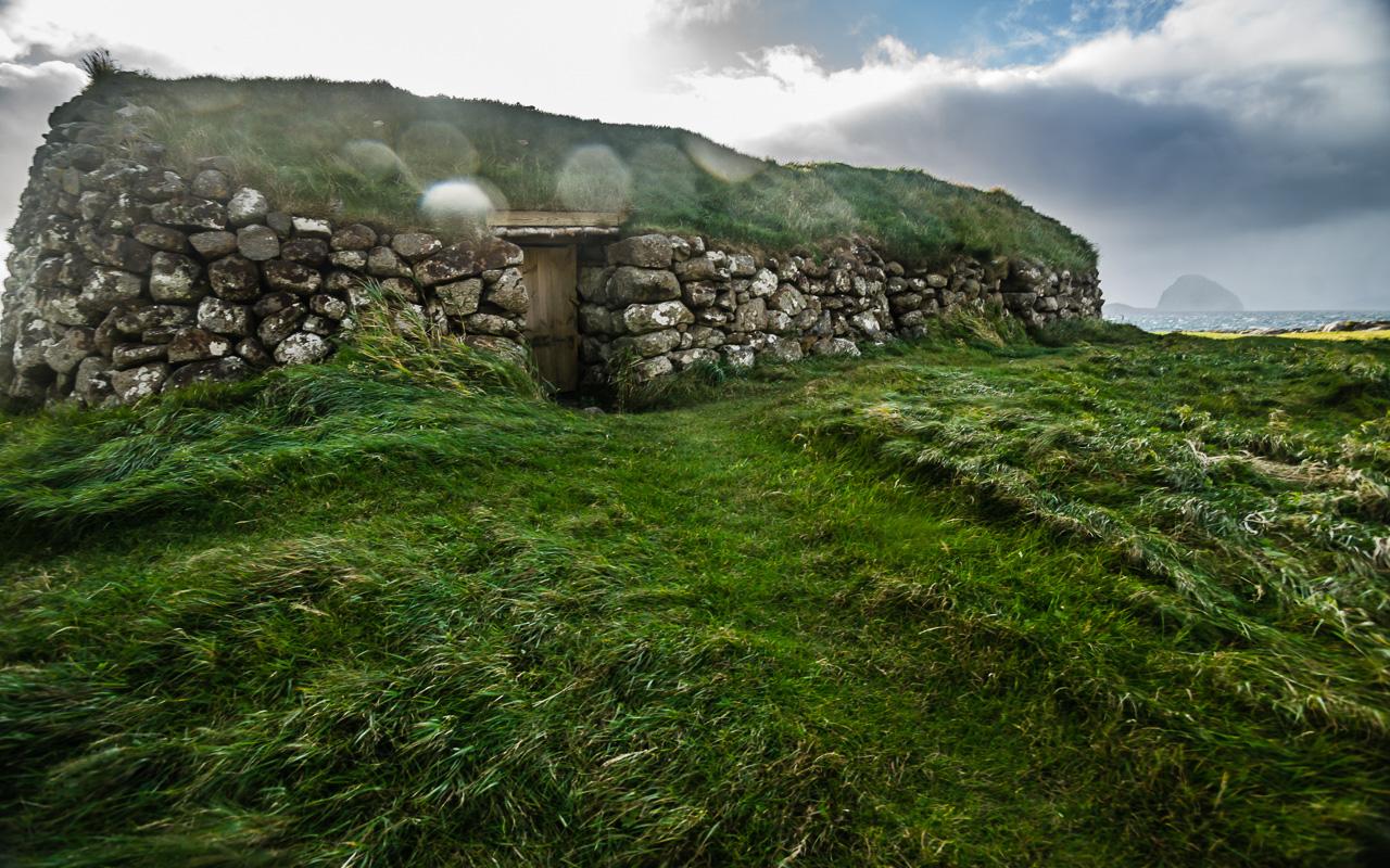 Фареры, день 4 1461|Домик-укрытие для каких-то домашних животных