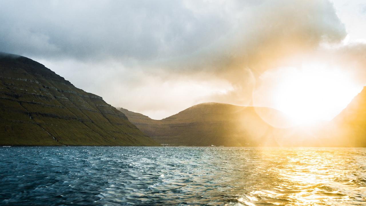 Фареры, день 5 1494|Фьорд и лучи восхода