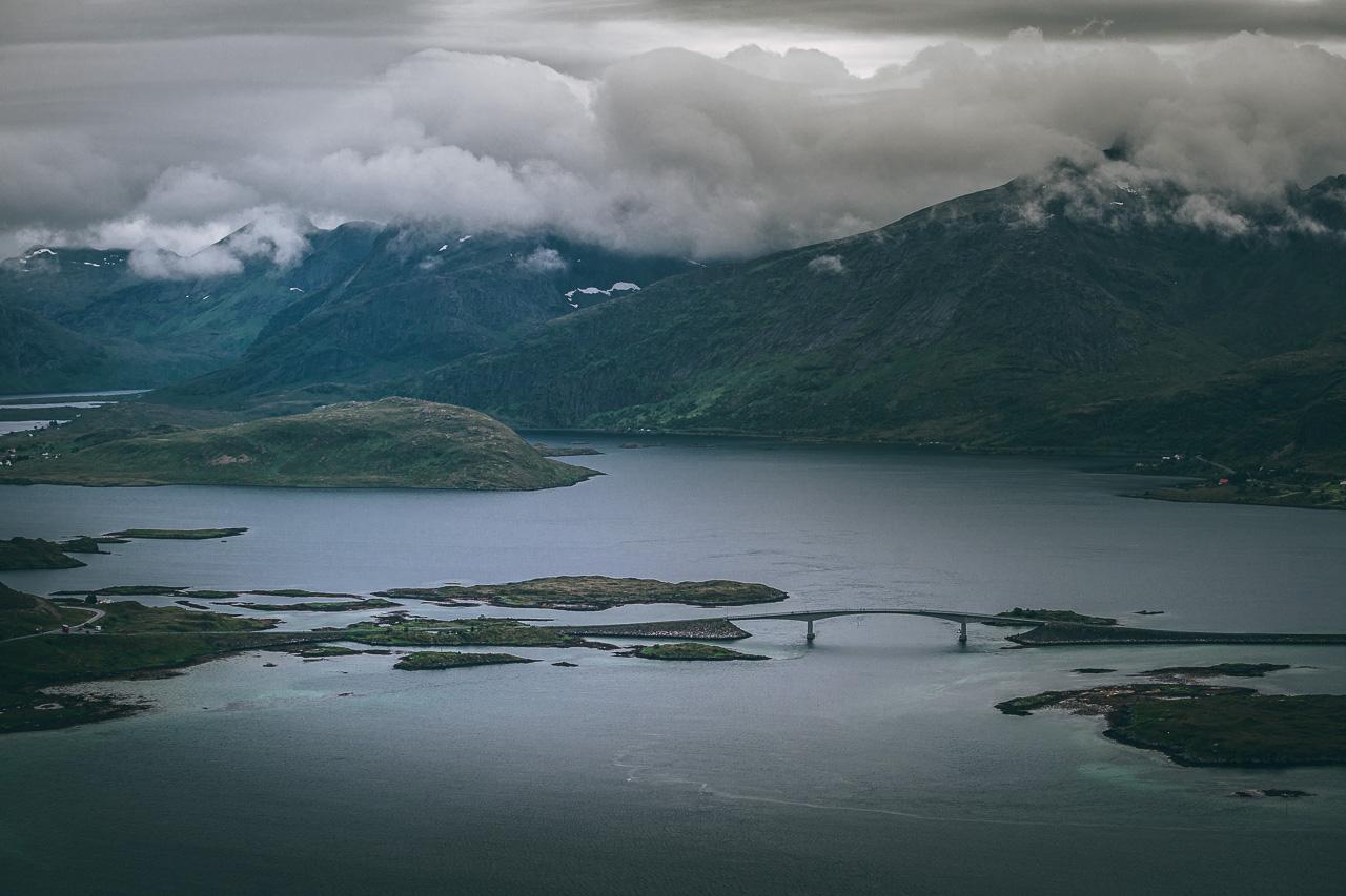 Лофотены, Нуббен и Нюсфьорд 3603|Вид с Нуббена на один из мостов