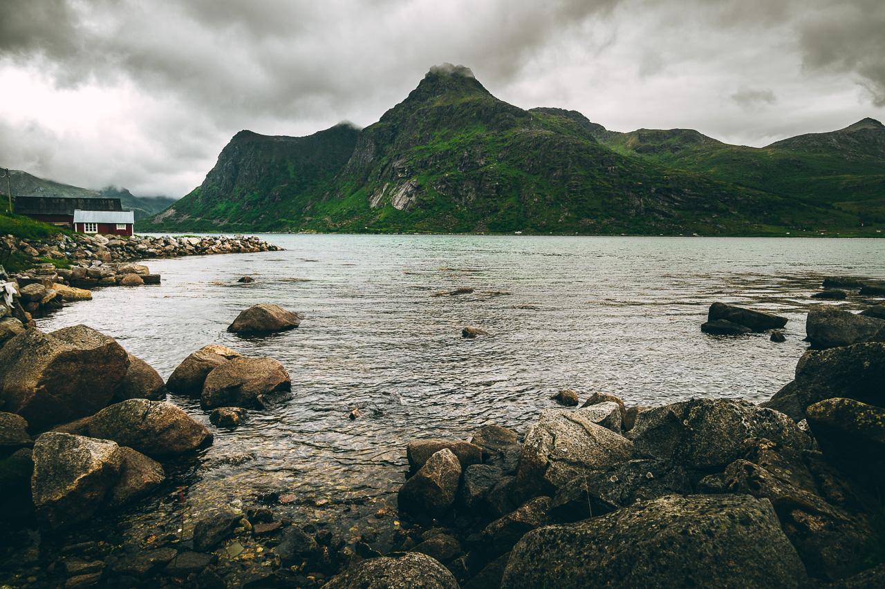 Лофотены, Нуббен и Нюсфьорд 3675|Нюсфьорд и домики рорбу